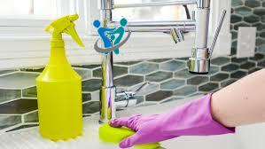 تنظيف المنزل بواسطة الأطفال